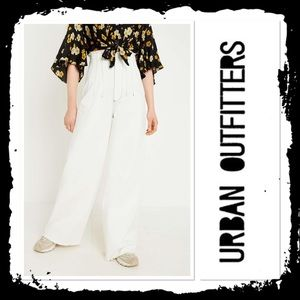 NWOT BDG Urban Outfitters Ecru High Waisted Jeans